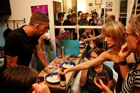 How to throw a banging holiday party in your tiny apartment streeteasy