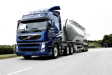 volvo lorry volvo truck amazing pictures video to volvo truck