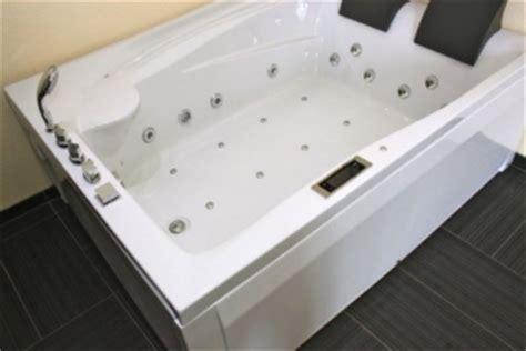 riesige badewanne badewanne f 252 r 2 nebenkosten f 252 r ein haus