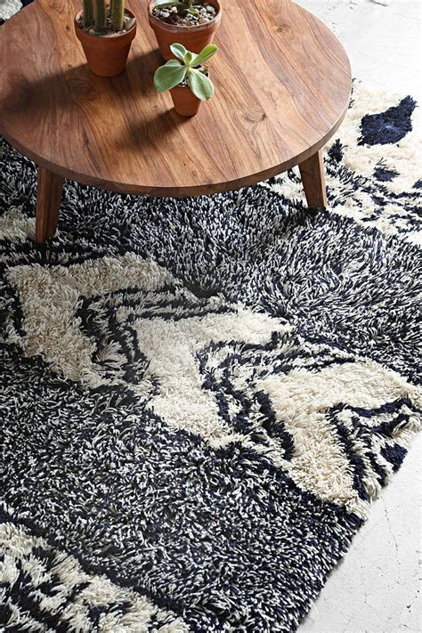 rugs like outfitters magical thinking geo shag rug uohome outfitters center table and house