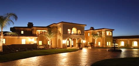 luxury home prices grow just 3 in 4q14 2015 02 23