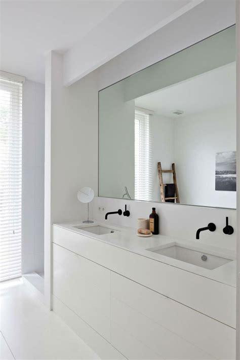minimal modern black and white bathroom remodel modern verrassend stijlvol zwarte kranen woonmooi