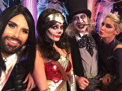celebrity juice line up holly willoughby s fans rejoice over her leggy ensemble