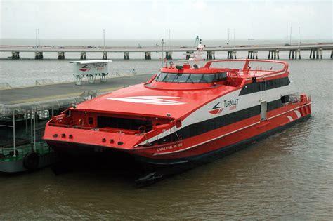 catamaran ferry wiki file turbojet catamaran jpg wikimedia commons