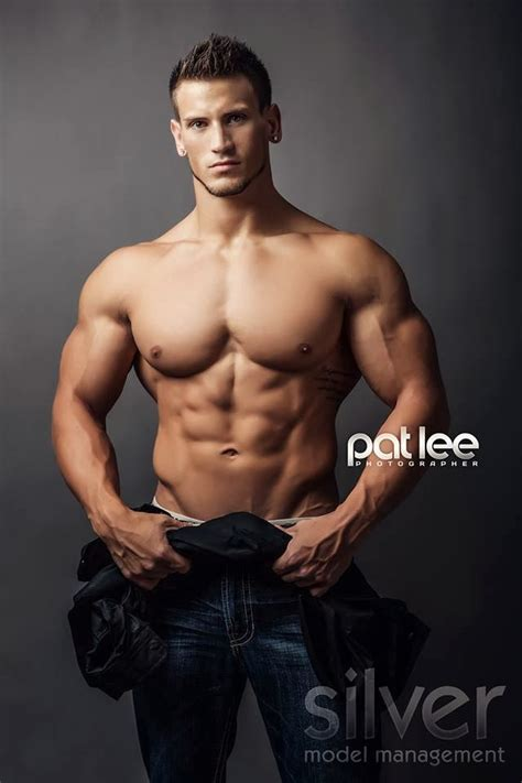 Shawn Dawson Fitness Model | daily bodybuilding motivation shawn dawson physique