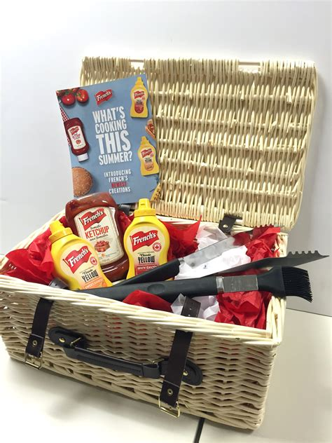 Picnic Basket Giveaway - the ultimate father s day giveaway taylor kaye