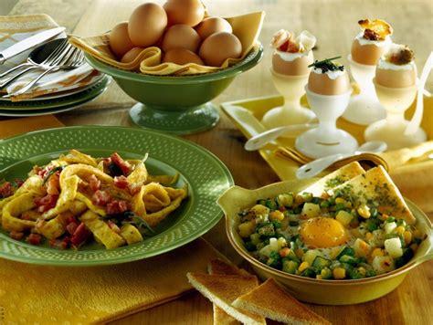 come cucinare le uova al forno ricetta uova al forno con verdure donna moderna