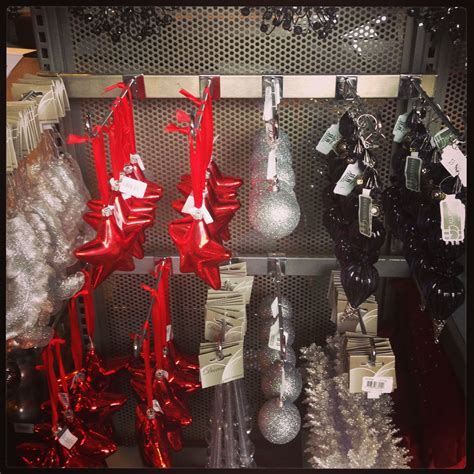 masculine christmas decorations masculine decorating ideas manlychristmas silver and black decor