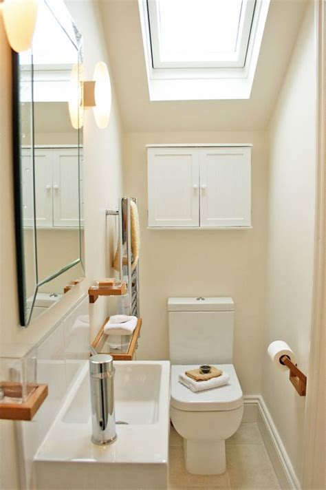 tiny ensuite bathroom ideas 25 best ideas about small shower room on pinterest