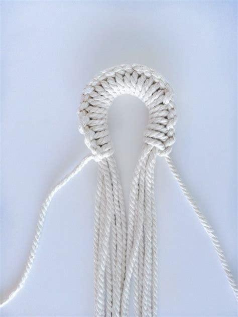 Macramé Plant Hangers - 1000 ideas about macrame plant hanger diy on