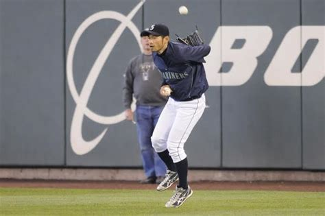 Ichiro Suzuki Catch Ichiro His 3 000 Hits In A Way You T Seen