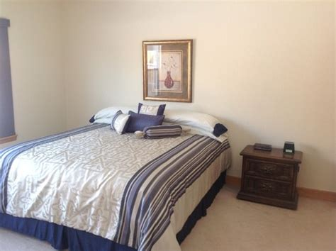 Gray Bedroom With Oak Trim Wall Color For Master Bedroom With Light Honey Oak Wood Trim