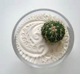 mini jardin zen choisir une jardin zen miniature pour relaxer archzine fr