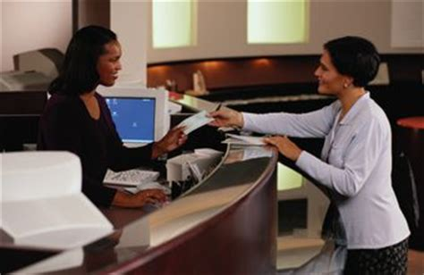a list of the qualities of a bank teller chron