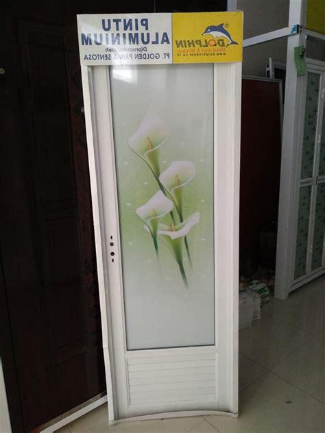 Lemari Kaca Kamar Mandi lemari pajangan model kaca sleding best free home