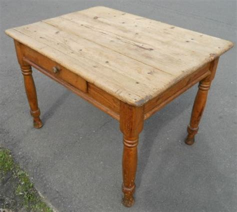small pine kitchen table 278185