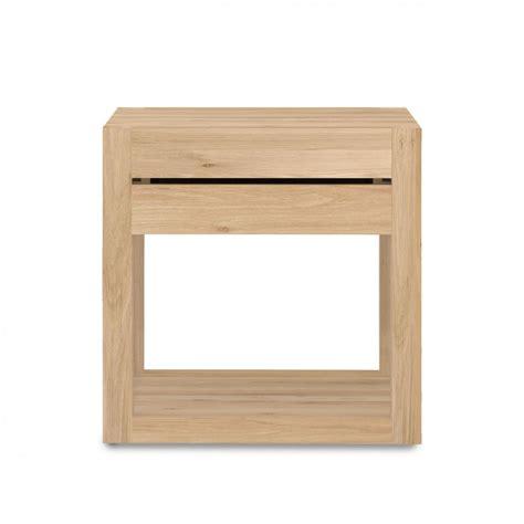 comodino in legno azurn comodino in legno di rovere con un cassetto with