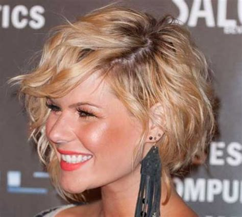 layer flip curl hairstyles 20 short layered wavy hairstyles short hairstyles
