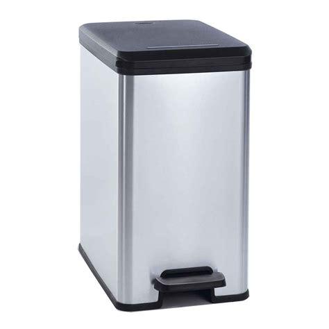 poubelle plastique cuisine poubelle salle de bain originale