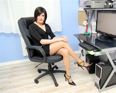 crossdress business lady business woman 6 this series is a quot continuation quot of the