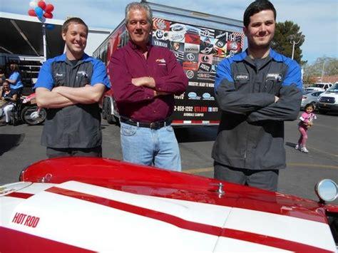 Future technicians flock to Friendly Ford for UTI seminar