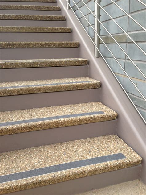decorating stair tread for remodeling and reshaping your