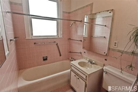pink badezimmerideen vintage pink bathrooms make a comeback estately