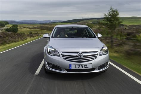 vauxhall insignia review auto express
