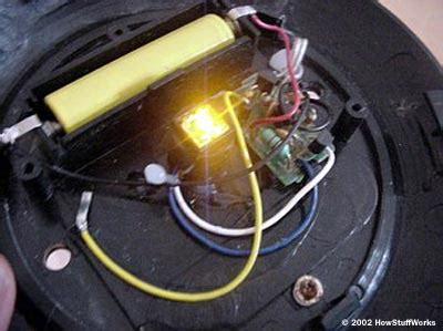 photoresistor how stuff works outdoor solar lighting and inside a solar yard light howstuffworks