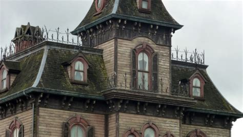 haunted house nyc the 8 most haunted houses in new york photos huffpost