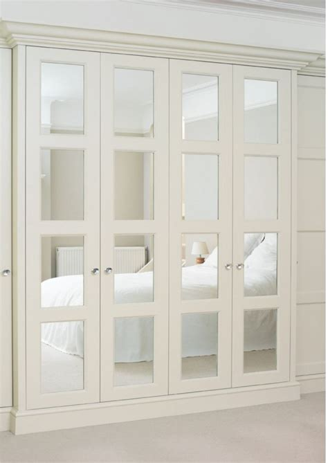 closet door ideas for bedrooms 25 best ideas about mirrored closet doors on pinterest