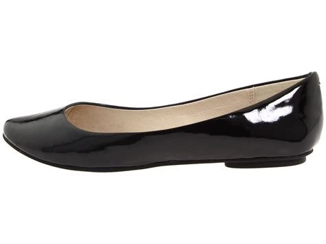 kenneth cole reaction slip on by at zappos