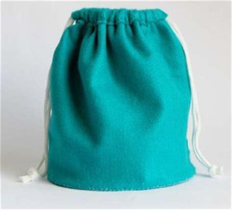 free pattern drawstring bag easy felt drawstring bag allfreesewing com