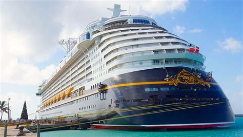dream weekend boat cruise watch cruise ship hits pier in the bahamas travelpulse