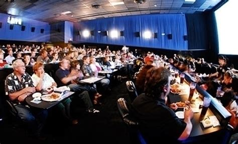 Studio Movie Grill Gift Card - studio movie grill teams up with cashstar incentive magazine
