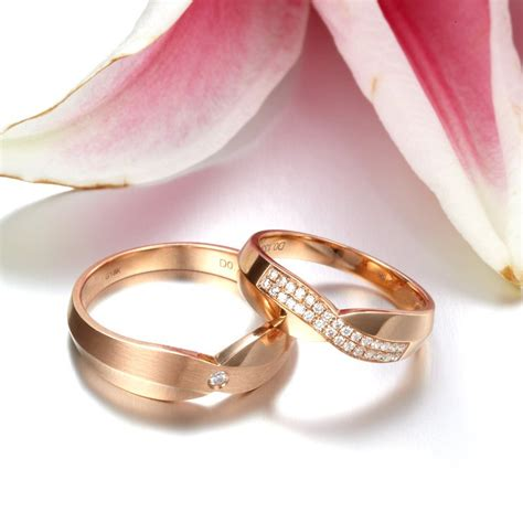 luxurious couples wedding ring bands on 9ct