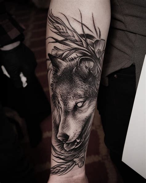 wolf forearm tattoo wolf meaning wolf designs wolf