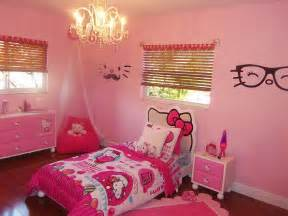 Dorm Room Decorating Themes - 15 hello kitty bedrooms that delight and wow