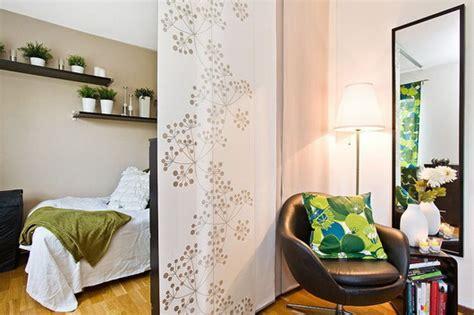 tende per separazioni ambienti arredare un salotto con zona notte casa e trend