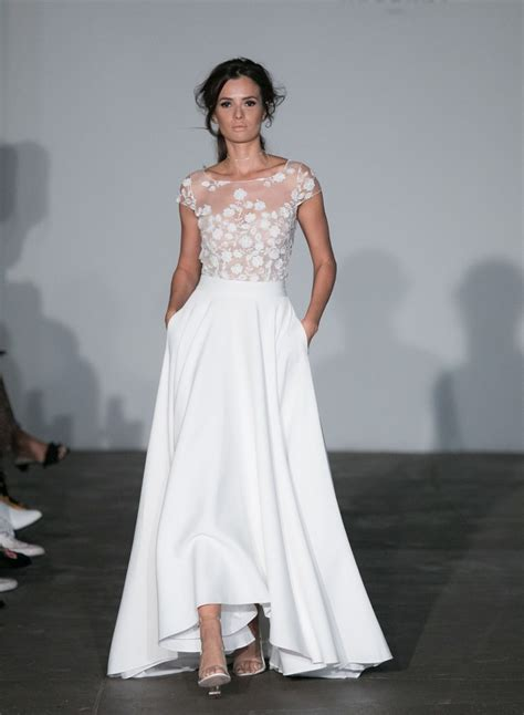 5 Wedding Gown Trends For 2010 by 5 Fresh Wedding Dress Trends For 2018 Brides