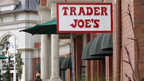 trader joes lincoln trader joe s lincoln park lakeview opening in may eater