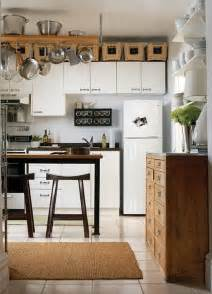 5 ideas for decorating above kitchen cabinets