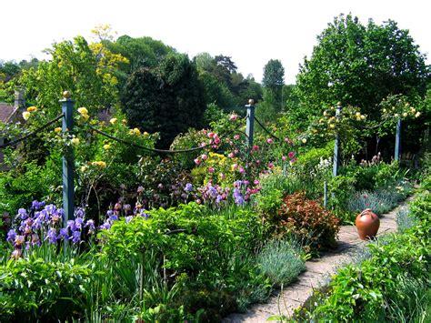 Katrina Cottage Mill Dene Garden