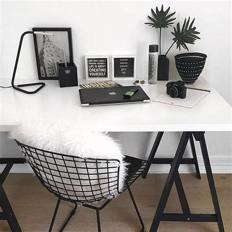white desk w black hairpin legs black wire chair w white