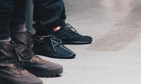 Kaos Putih Adidas Yeezy Bost adidas originals yeezy boost 350 quot black quot release date highsnobiety