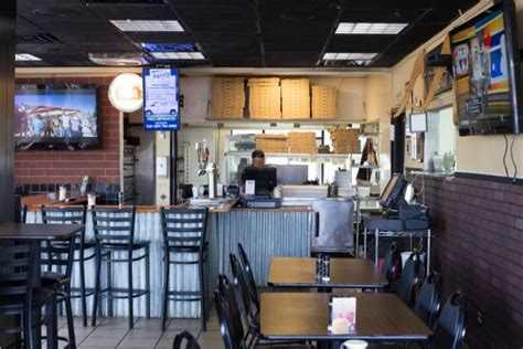 Indoor Seating Picture Of A N Y Pizza House Cocoa Ny Pizza House Cocoa