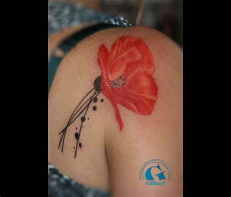 tatouage fleur graphicaderme