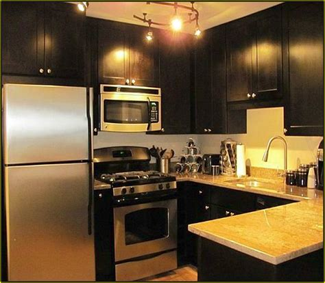 what color should i paint my walls what color should i paint my kitchen cabinets and walls