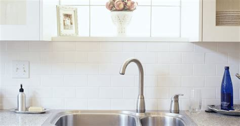 Sewage Smell From Kitchen Sink What Causes A Sewer Smell From A Kitchen Sink Ehow Uk