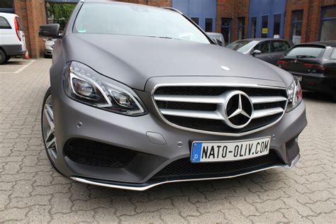 Auto Folierung Mercedes C Klasse by Mercedes E Klasse In Anthrazit Matt Metallic Nato Oliv